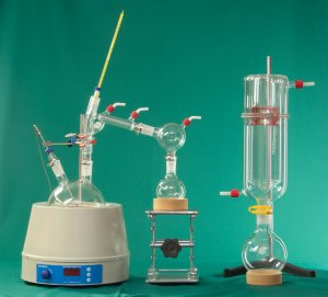 Short Path Steam Distillation Apparatus Manufactured by NDS Technologies, Inc. - ndsglass.com